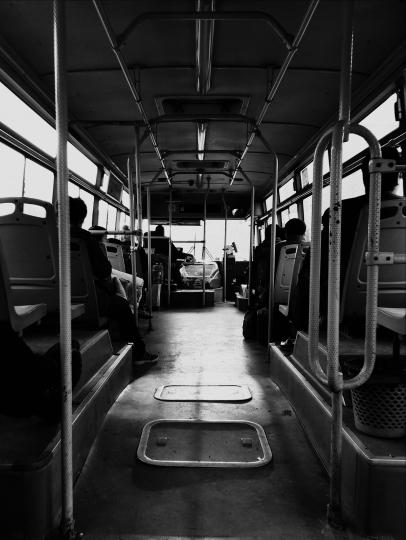 小歪 公交车.jpg